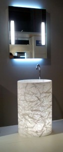 Espejo con iluminación directa e indirecta